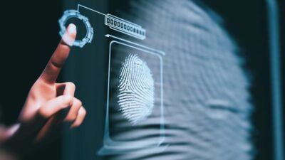 Perbandingan Pengurusan Tenaga Kerja Menggunakan HAUZ dan Biometrik